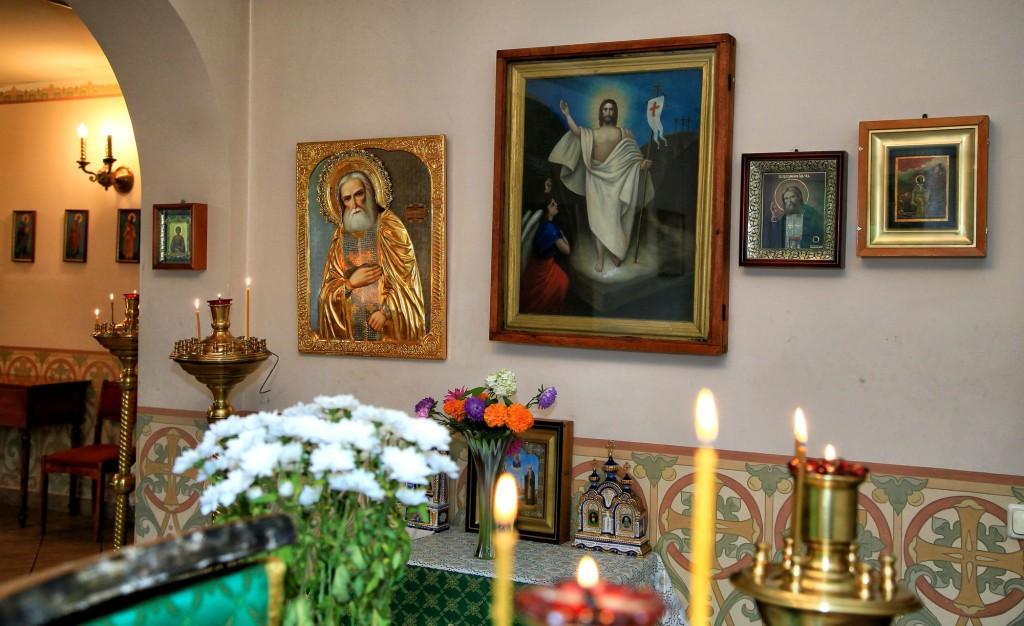 храм с саровского в москве ул островитянова