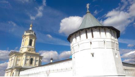 серпуховской высоцкий мужской монастырь сбоку